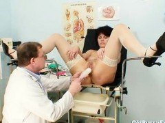 Elder wife weird speculum...